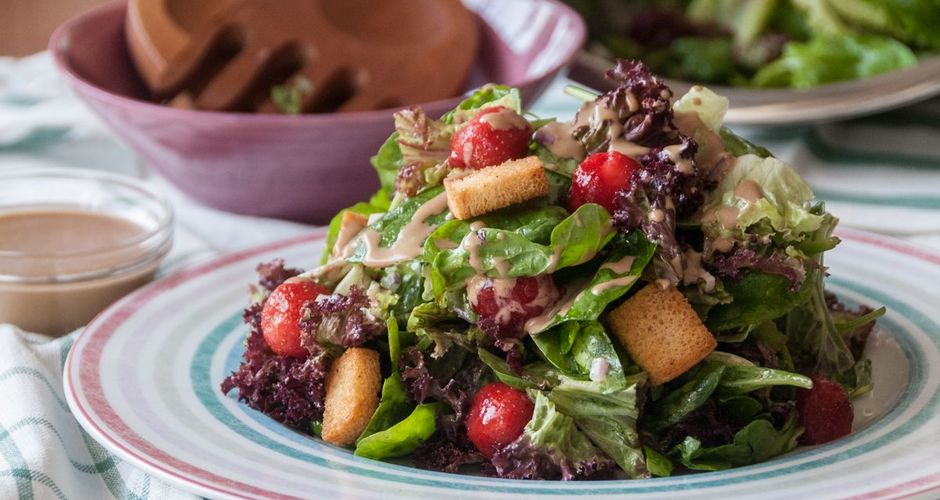 Spinach Frisee and Strawberries Salad