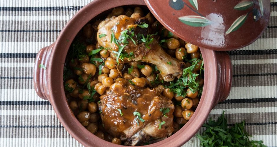 Chicken and Chickpea Stew with tomato sauce