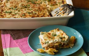 Recipe thumb akis petretzikis pastitsio me ragu kai blue cheese