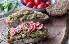 Recipe thumb akis petretzikis mprousketes me pesto avocado