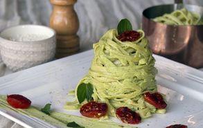 Recipe thumb akis petretzikis spaghetti avocado