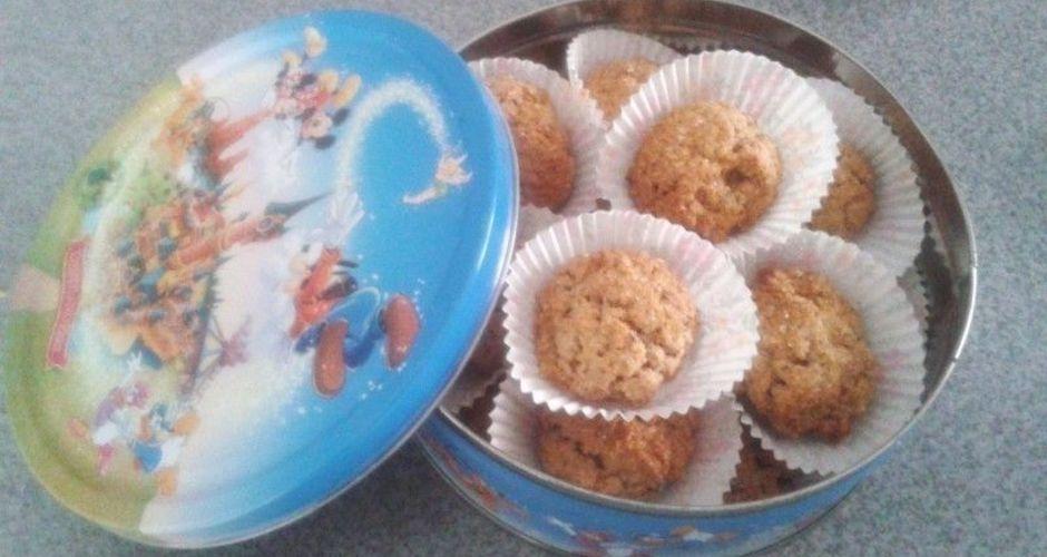 Μπισκοτάκια με σταφίδες και καστανή ζάχαρη