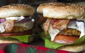 Recipe thumb akis petretzikis burgers glukopatatas