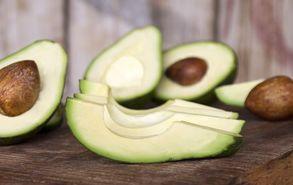 Recipe thumb akis petretzikis avocado