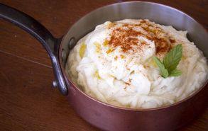 Recipe thumb akis petretzikis poures patatas