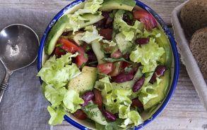 Recipe thumb akis petretzikis salata avocado fasolia