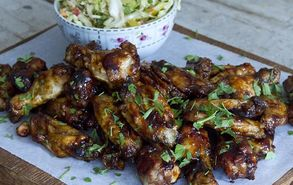 Recipe thumb akis petretzikis chicken wings bbq sauce