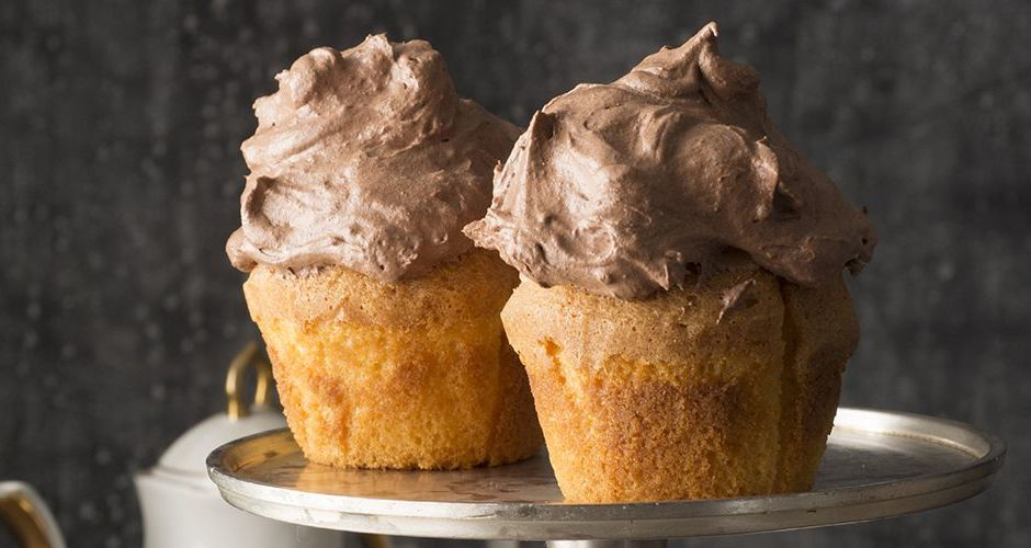 Hazelnut Muffins with Chocolate Hazelnut Mousse Topping