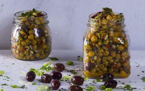 Recipe thumb akis petretzikis salata revithia