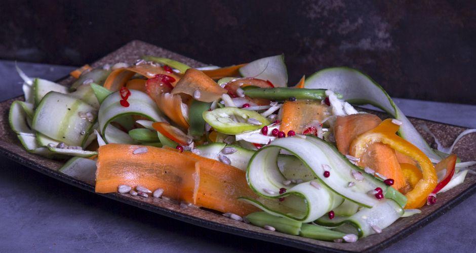 Akis petretzikis crunchy vegetables salad