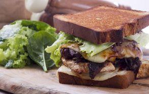 Recipe thumb akis petretzikis sandwich