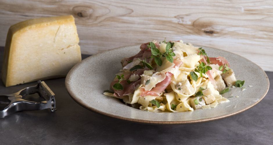Homemade Tagliatelle with Artichokes and Prosciutto