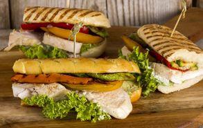 Recipe thumb akis petretzikis sandwich kotopoulo karoto site