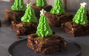 Recipe thumb akis petretzikis christmas brownie site