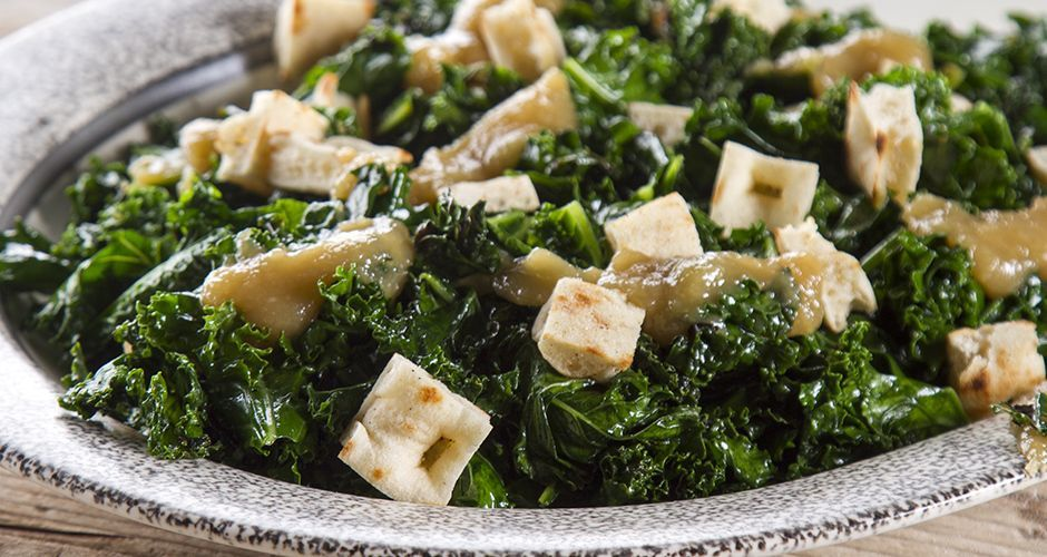 Salad with grilled kale and Greek pita bread
