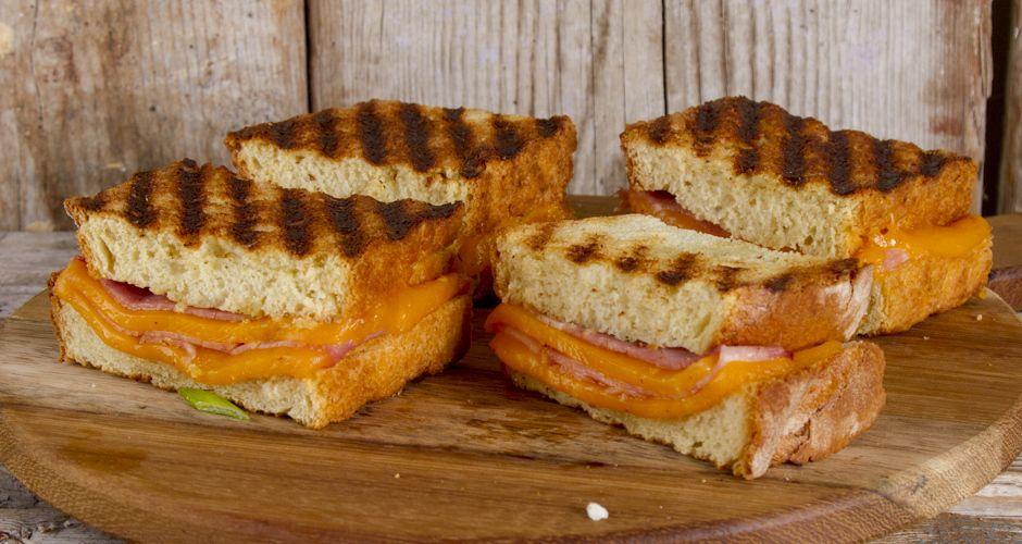 Akis petretzikis sandwich cheddar site
