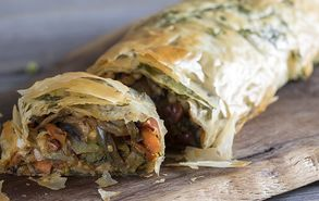Recipe thumb akis petretzikis strudel laxanikwn xrisizimi site video